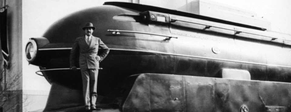 Raymond Loewy with his S1 Locomotive